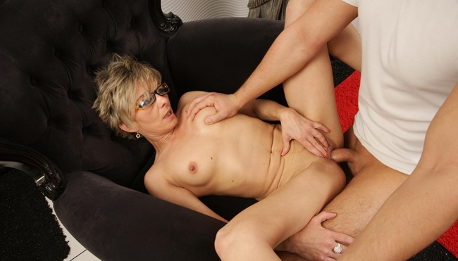 milf fucked by a young guy